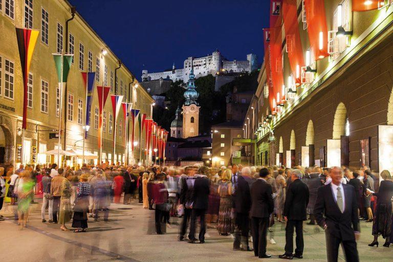 """Noche De Paz"": Salzburg Recibe A La Prensa"