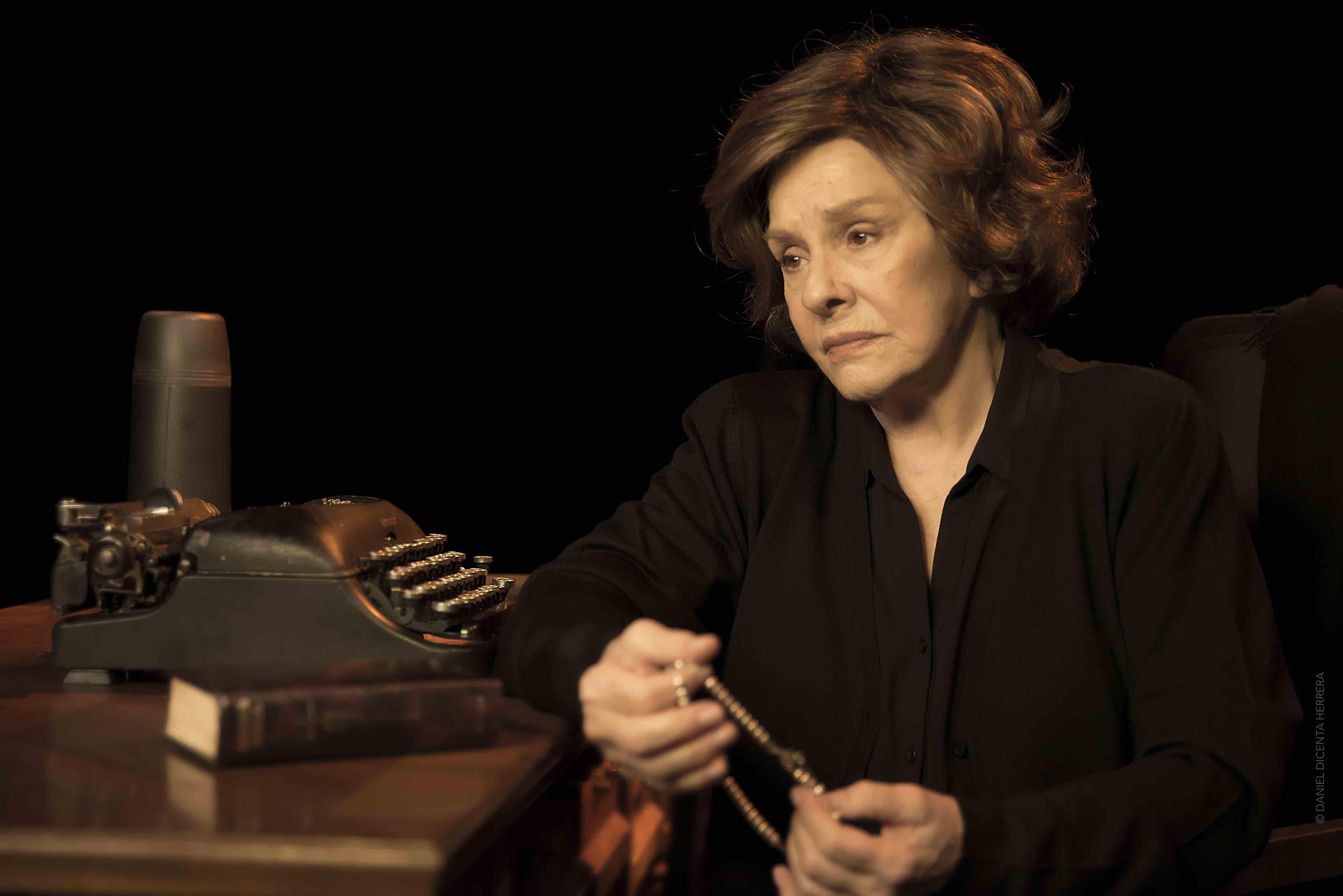 """""""Cinco Horas Con Mario"""" En El Teatre Goya"""