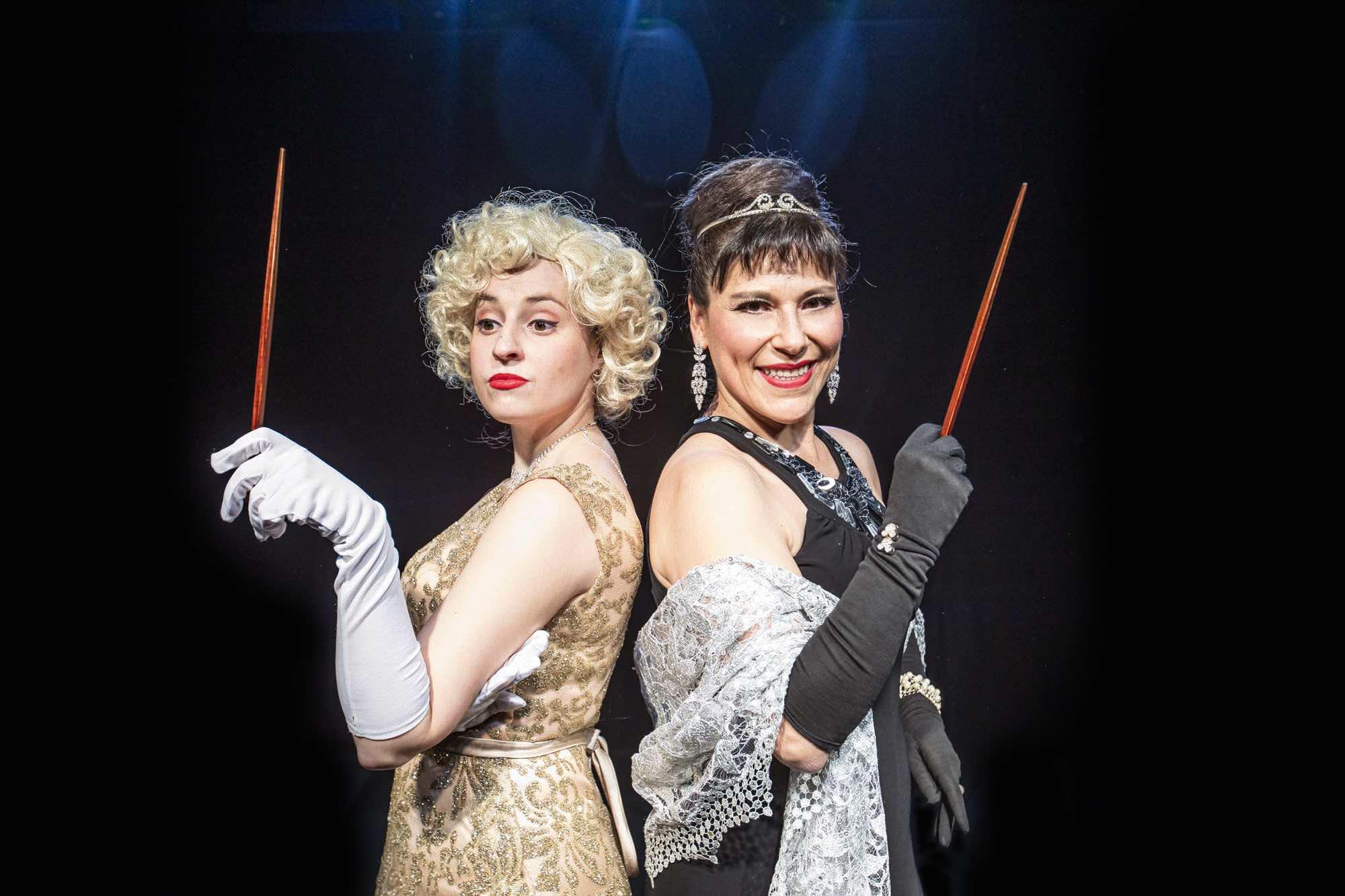 Dos Divas En El Teatre Gaudí