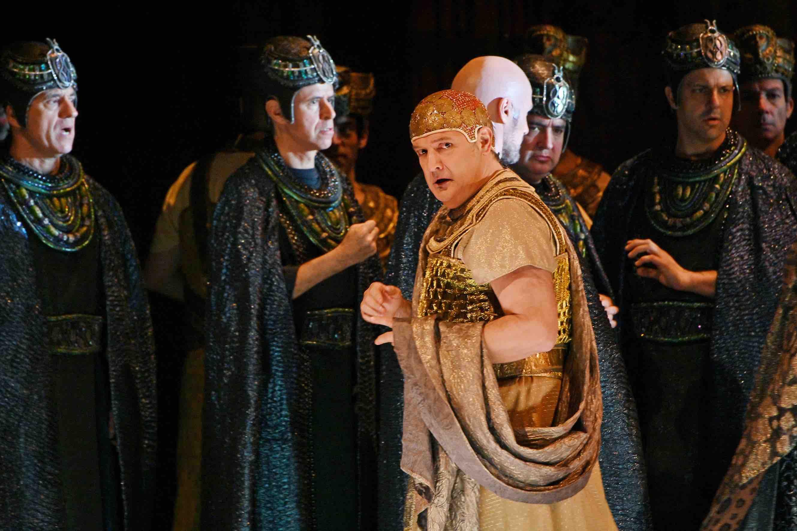 La 'Aida' De Mestres Cabanes Regresa Al Liceu